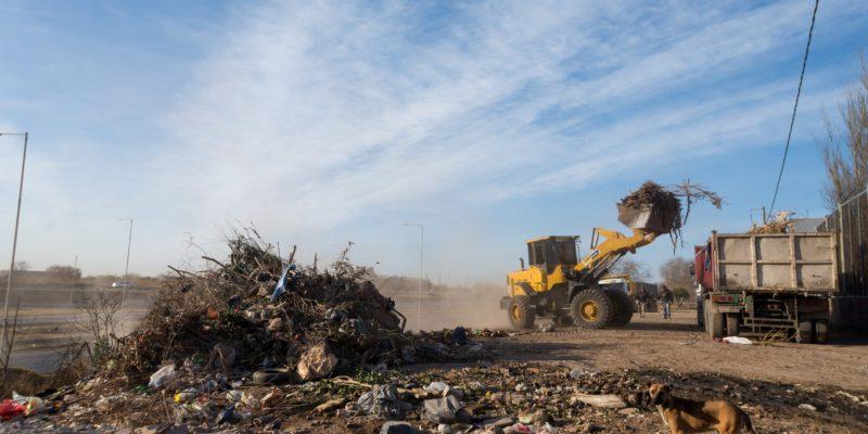 En Noviembre, Se Retiraron Más De 19.000 Toneladas De Residuos En Canales Pluviales Y Basurales