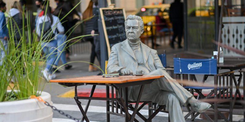 La Estatua De Salzano Fue Restaurada Y Ya Es Parte De La Gran Manzana De La 27 De Abril