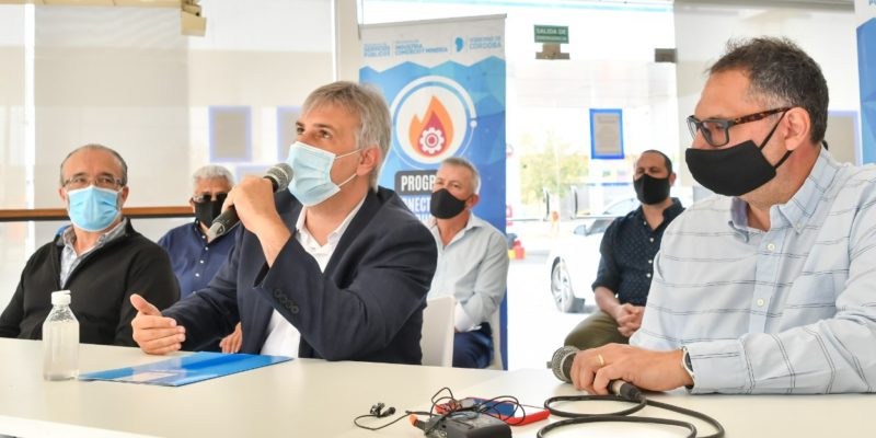 Llaryora Acompañó A Schiaretti En La Habilitación De Una Obra De Gas Natural