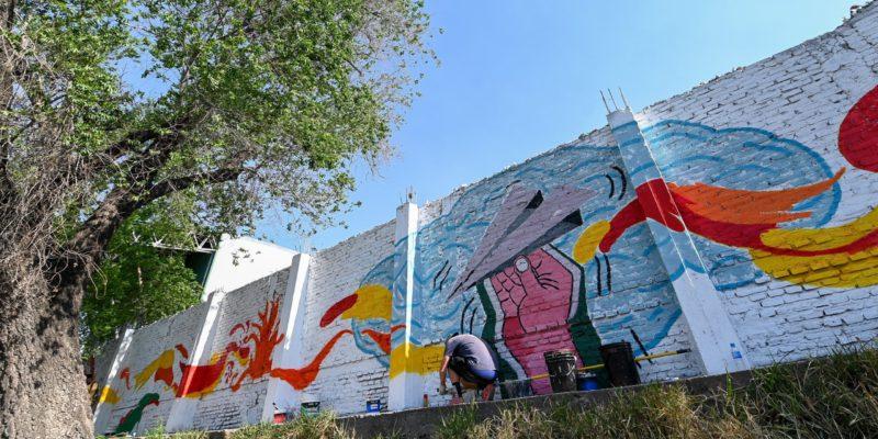 Un Nuevo Mural Artístico Decora Los Alrededores Del Río Suquía