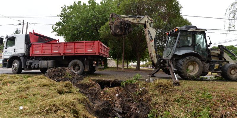 Limpiaron Un Canal Pluvial En Barrio Villa Azalais Oeste