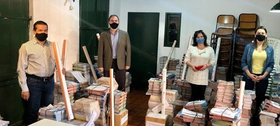 La Municipalidad De Córdoba Entregó Material Bibliográfico Para Estudiantes Y Docentes