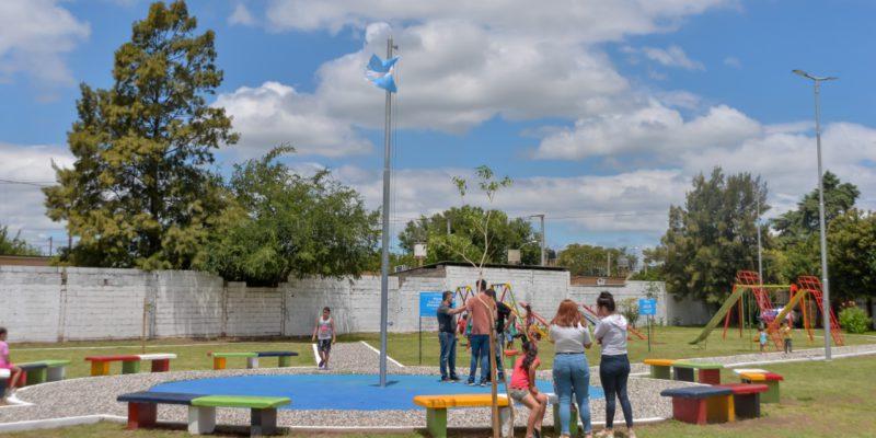 Tras Años De Abandono, Revalorizan La Plaza De Barrio Los Álamos