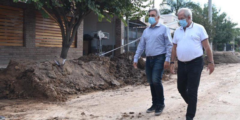 Llaryora Supervisó La Obra De Aliviador Cloacal Que Beneficiará A Cinco Barrios