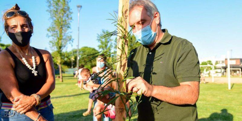 Llaryora Plantó El árbol 15 Mil De Su Gestión