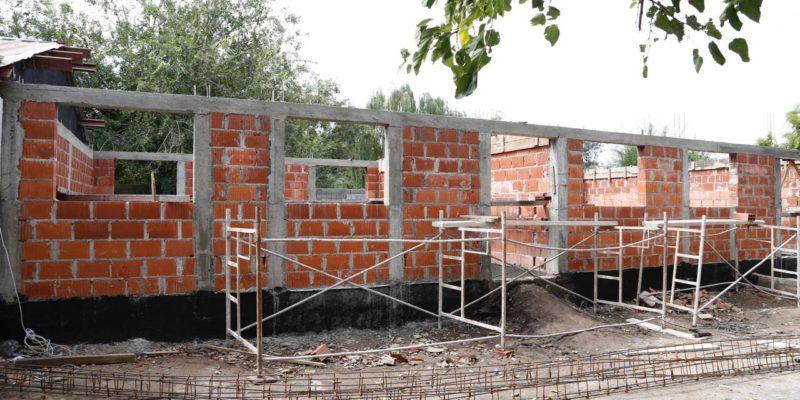 Avanza La Construcción De Las Primeras Cinco Aulas En Escuelas Municipales