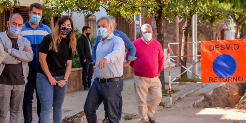 Barrio Pueyrredón: Instalan Un Nuevo Aliviador Cloacal Que Soluciona Antiguos Reclamos