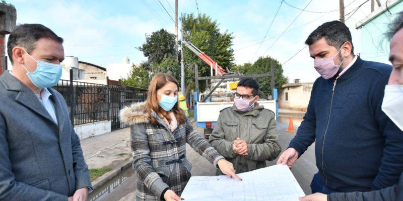 Comienza La Instalación De 8 Mil Metros De Tendido Eléctrico Y 263 Luces Led Para 45 Manzanas De Villa El Libertador