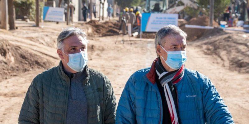 Schiaretti Y Llaryora Recorrieron Obras De Infraestructura Que Provincia Y Municipio Ejecutan En Barrio Villa Martínez
