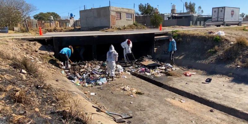 Costanera Norte: Limpian Desagües Y Microbasurales En Barrio Yapeyú