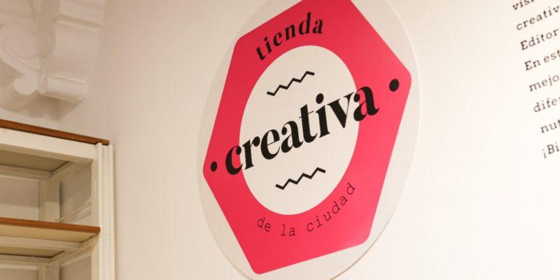 Tienda Creativa: Diseñadores Locales Exponen Sus Productos En El Cabildo Histórico De La Ciudad