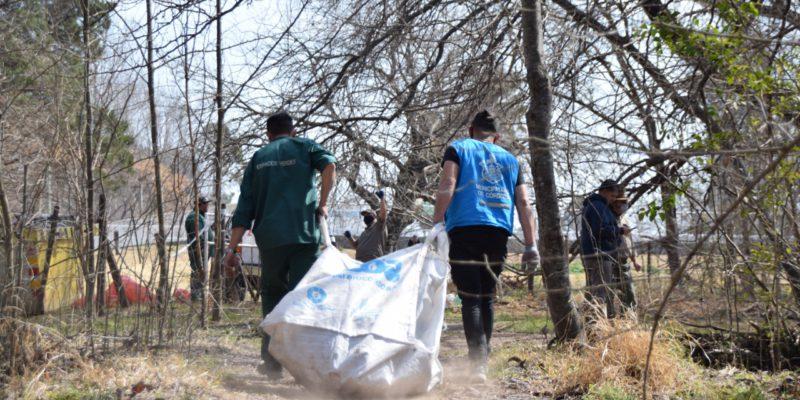 Reserva San Martín: Junto A Vecinos, Se Extrajeron Más De 2.000 Kilos De Basura Del Río Suquía