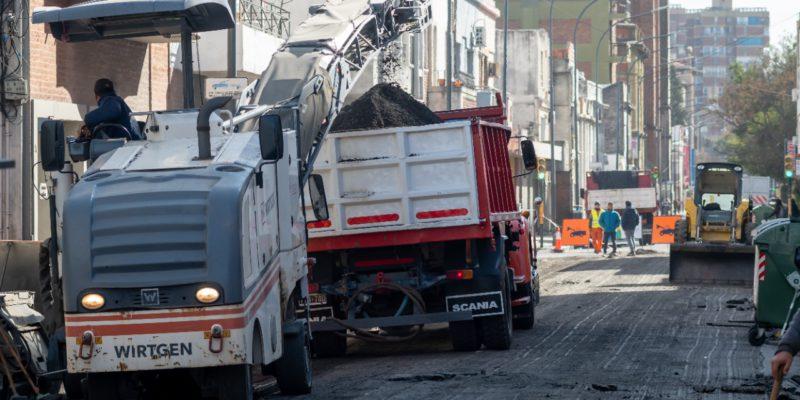 Continúa La Reparación De 1.700 Metros De La Calle Mariano Moreno