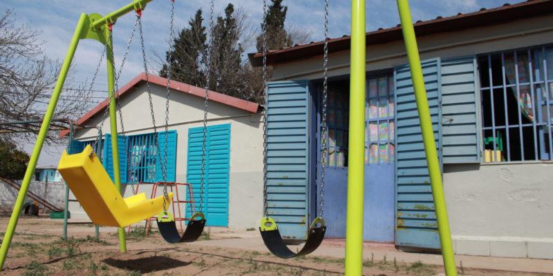 La Municipalidad Instala Juegos Infantiles Para Los Jardines De Las Escuelas Municipales