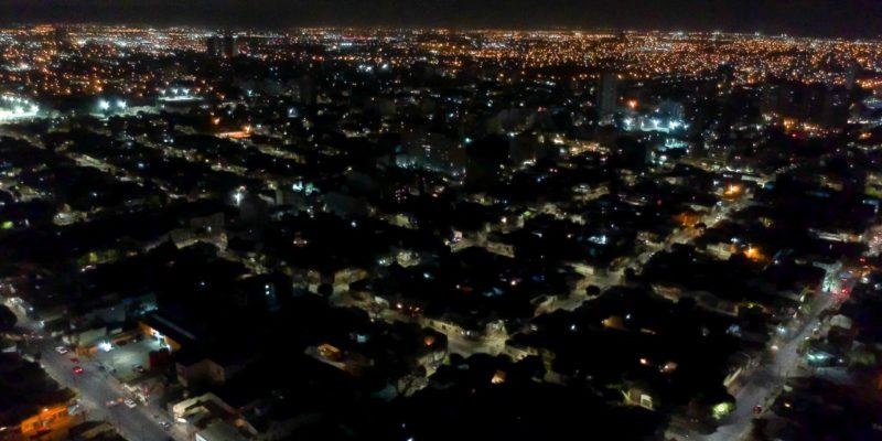 Dos Barrios De La Zona Oeste Cuentan Con Nueva Luminaria LED