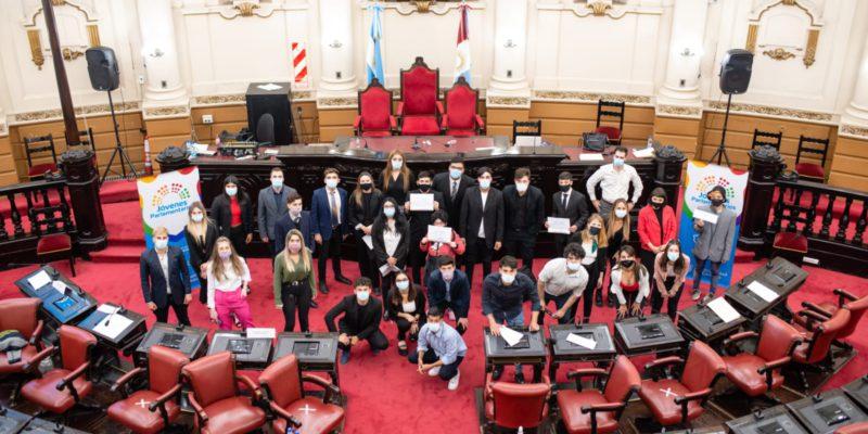 70 Jóvenes De Secundarios De La Capital Debatieron Sobre Ambiente, Juventud Y Derechos Humanos